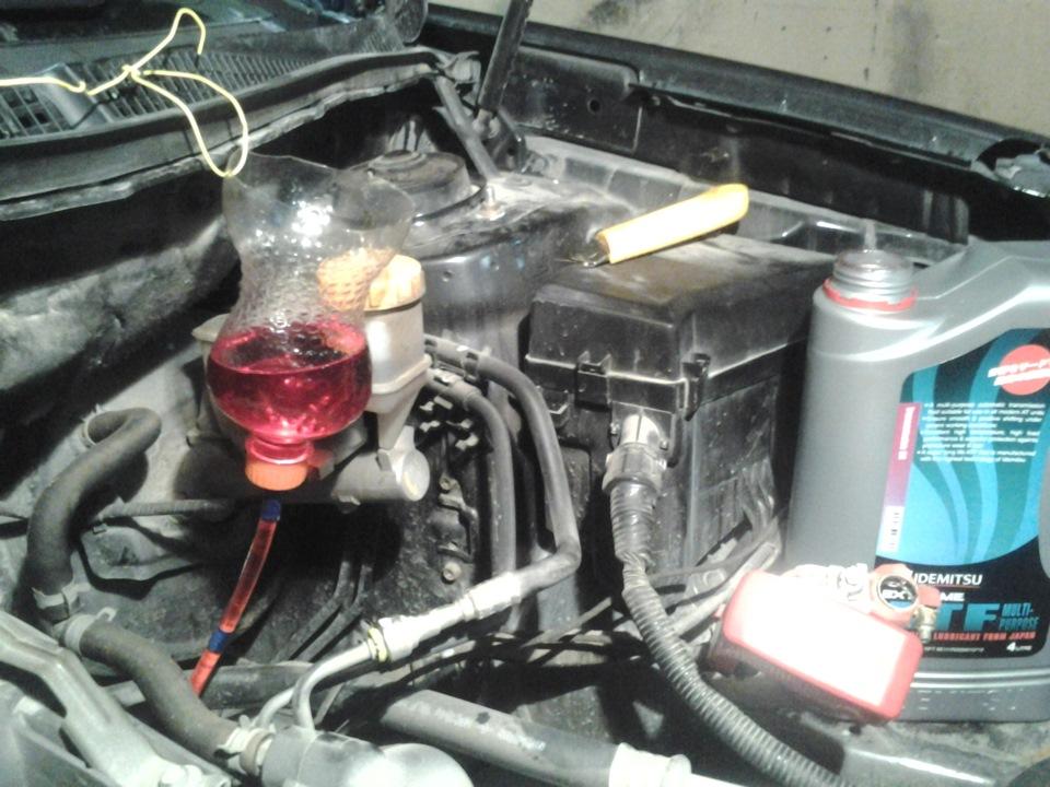 Фото №21 - сколько тормозной жидкости нужно для замены ВАЗ 2110