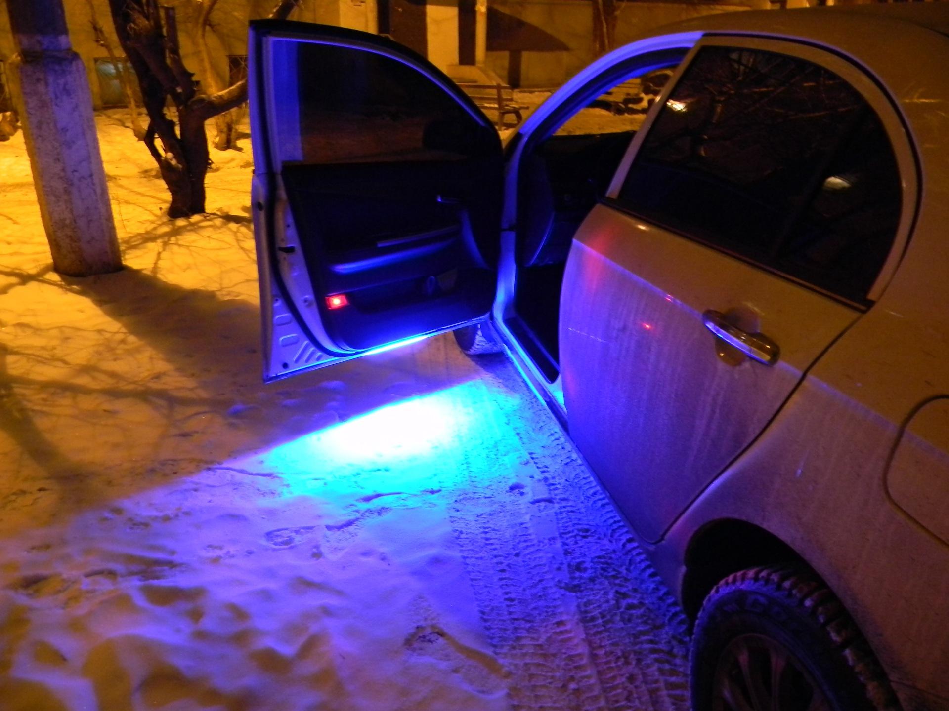 Как сделать подсветку на двери