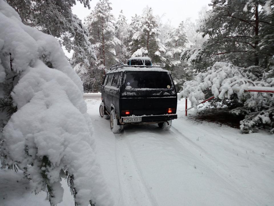 Транспортер в снегу Боковой одноколейный разгрузчик автомобилей БОРА