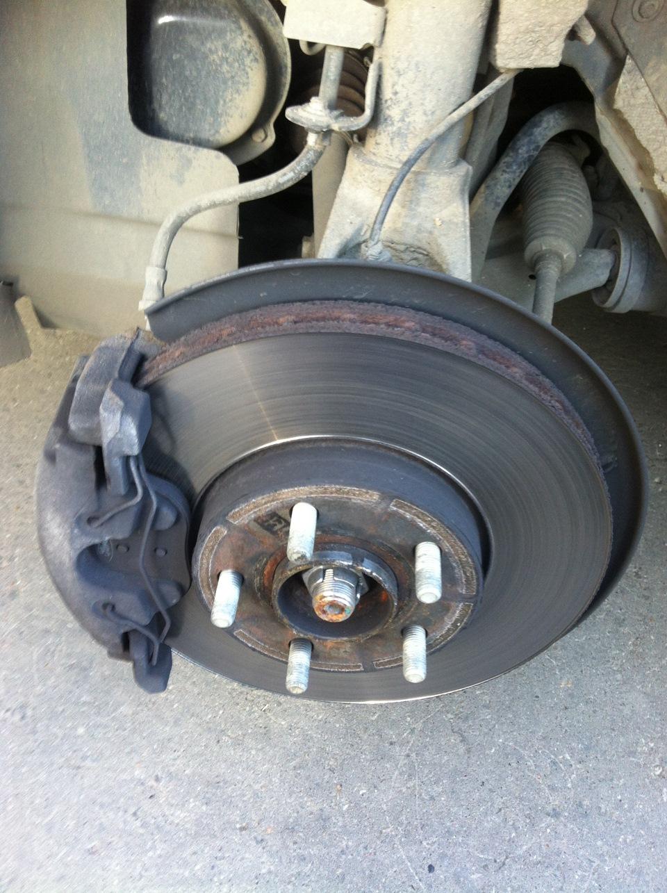Замена тормозных колодок на форд фокус 3 своими руками 2