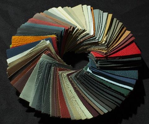 ...материалами: от велюра и искусственной кожи до алькантары и настоящей кожи, используемой для обтяжки заводских.