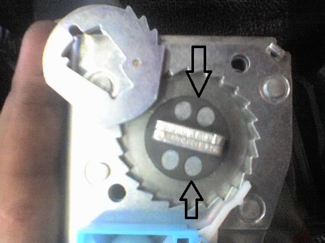 Фото №15 - ремонт ремня безопасности ВАЗ 2110