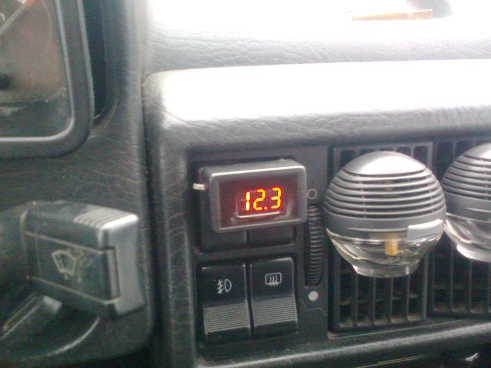 audi 100 1983 нет зарядки