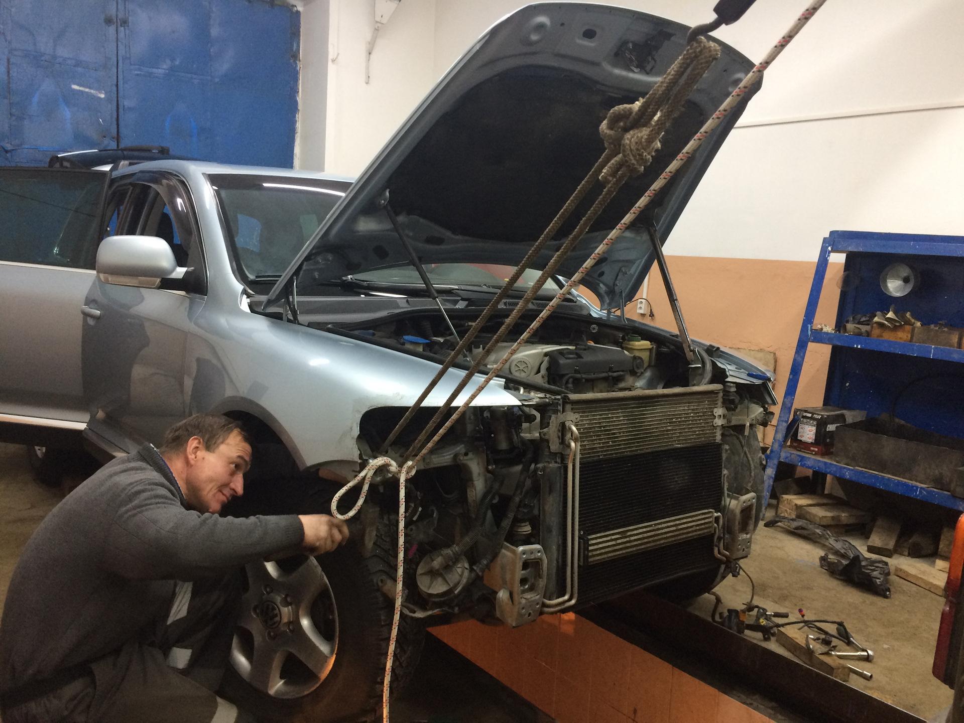 Замена переднего кронштейна volkswagen touareg 1 Ремонт охлаждающей системы королла