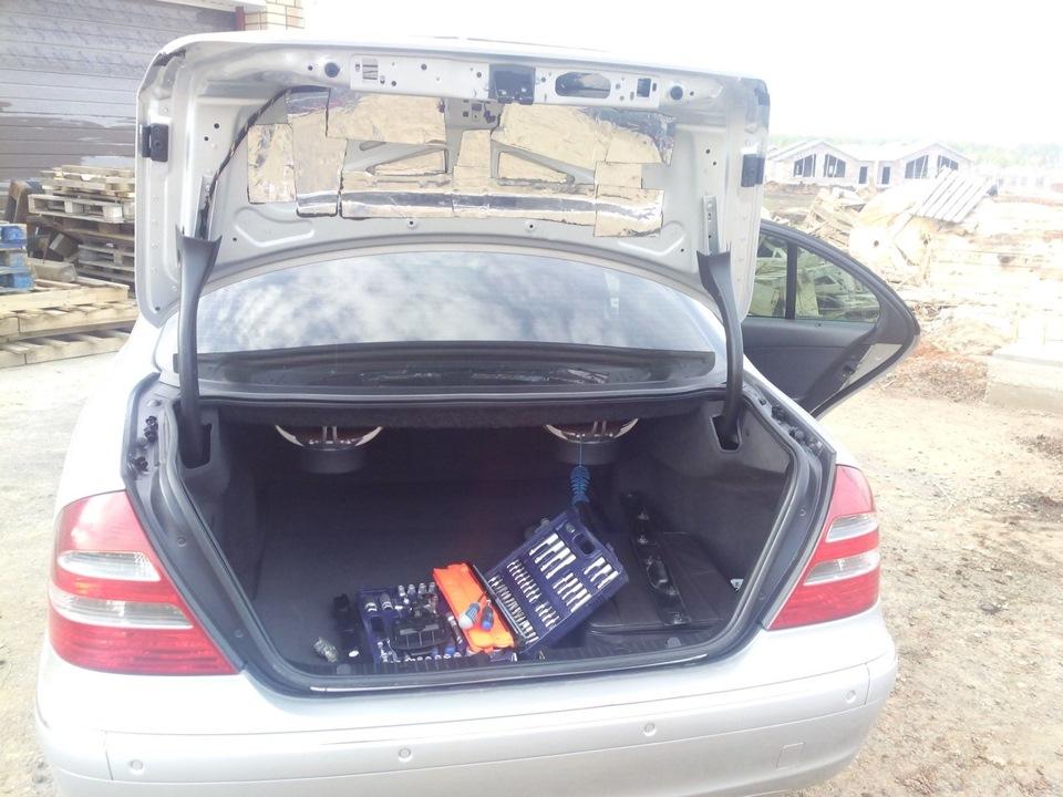 на мерседес е211 не открывается багажник