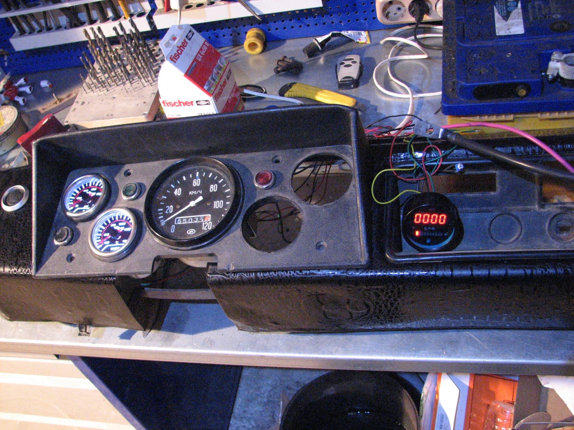 Светодиодный указатель топлива 156