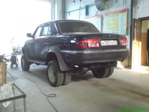 Волга 31102 переделанная на уаз фото