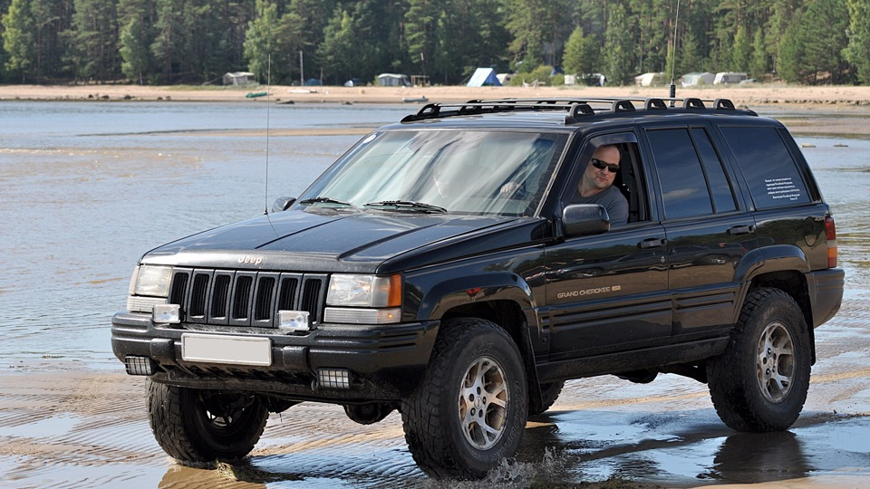 Jeep Grand Cherokee 5.2 V8 — отзыв владельца — DRIVE2.RU
