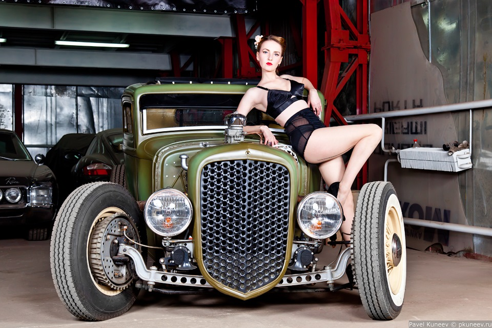 sex-games-hot-rods-and-pimped-girls-latin