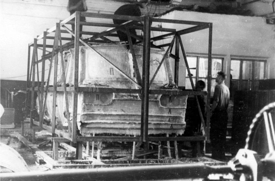 Процесс создания контрформы или матрицы для кузовных панелей был очень трудоемким и дорогим