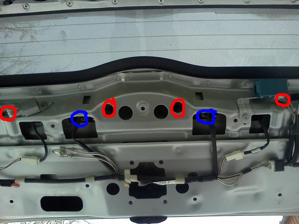 вольво хс90 как заменить заднюю дверь багажника/
