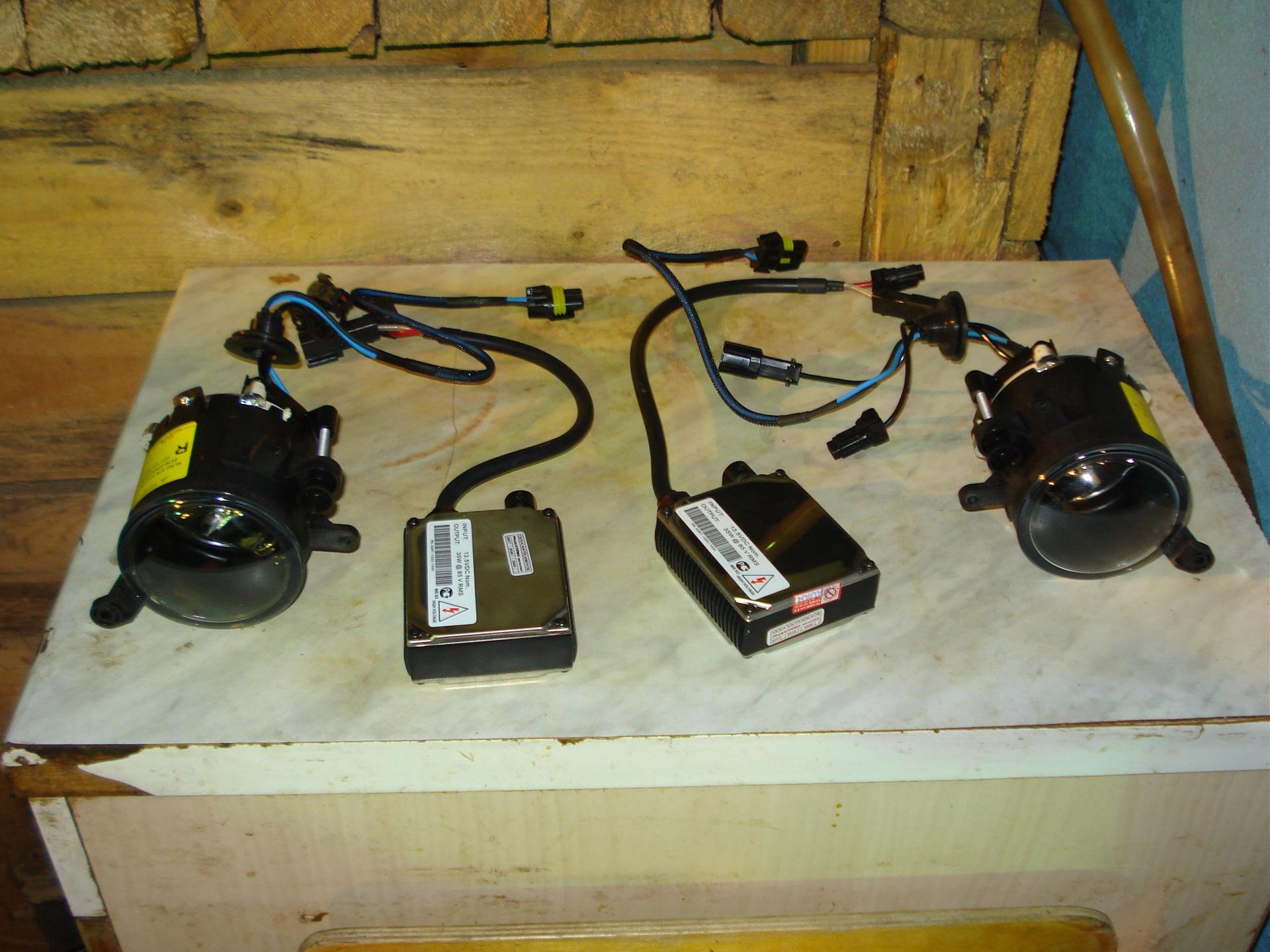 Установка противотуманок и ксенона. - бортжурнал Лада Приора Хэтчбек САSPER 2009 года на DRIVE2