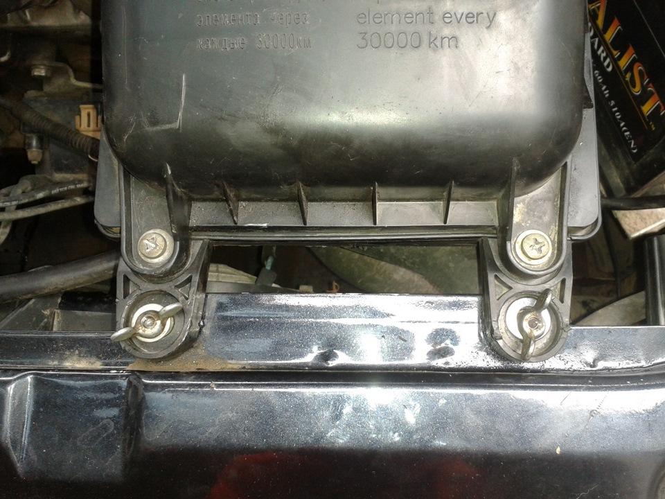 Фото №15 - крепление воздушного фильтра ВАЗ 2110