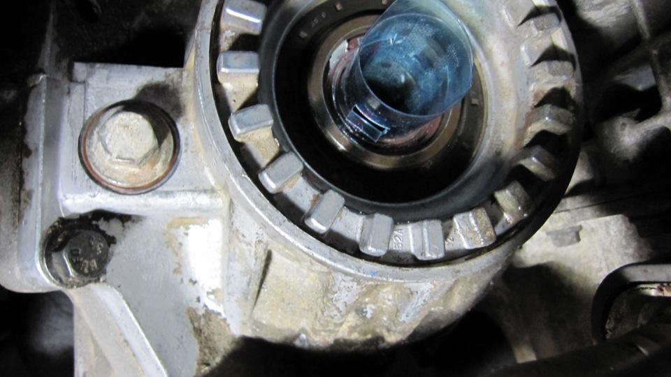 Замена сальника редуктора xc60 Замена лампы фонаря заднего хода toyota corolla