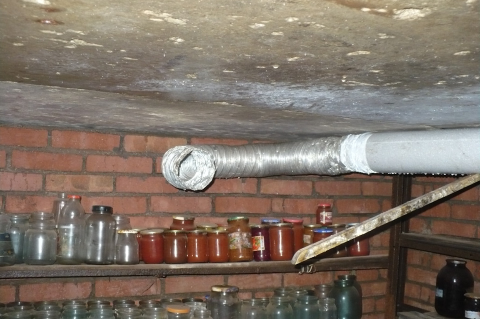 вытяжка в подвале частного дома видео