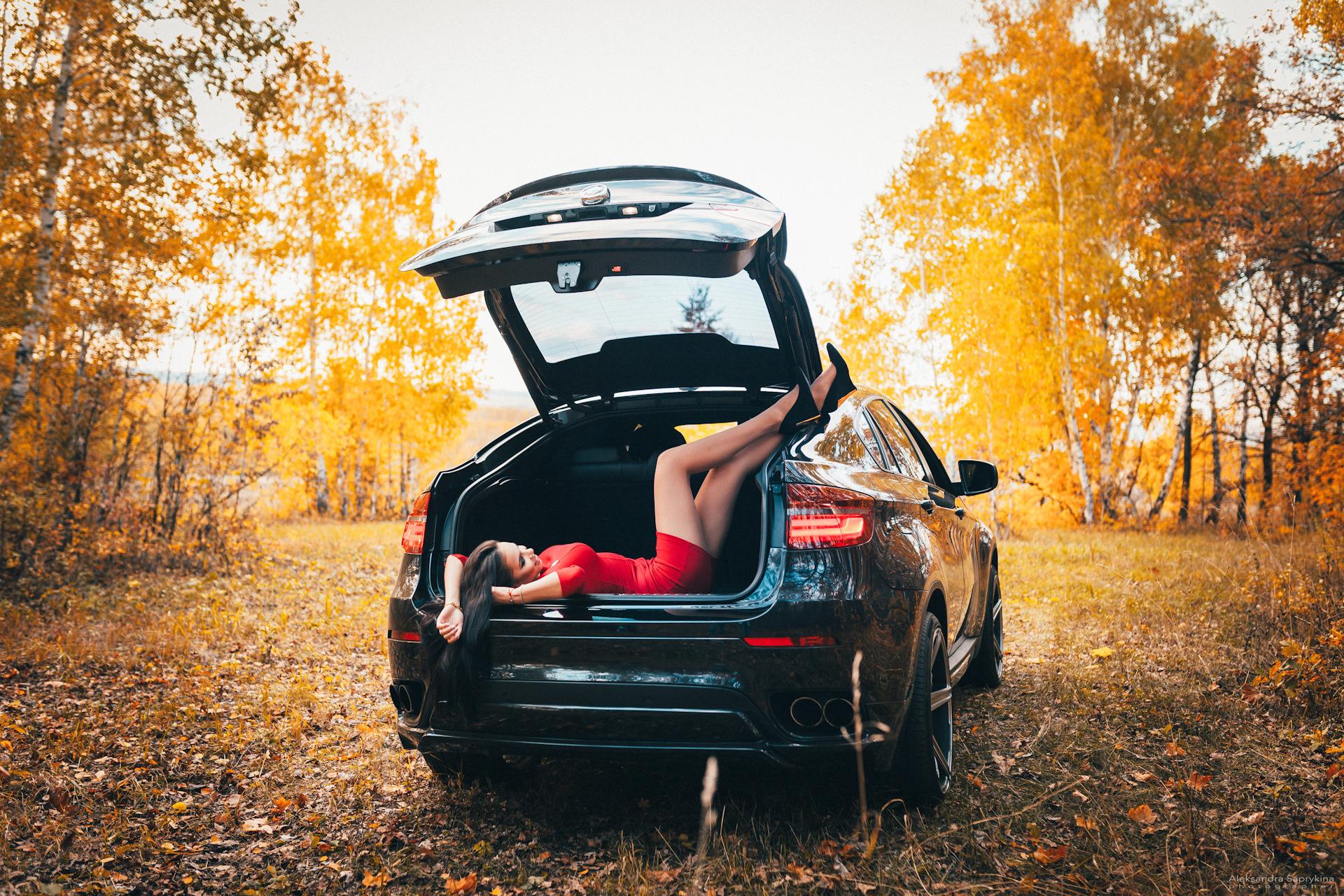 Картинки девушка из багажника