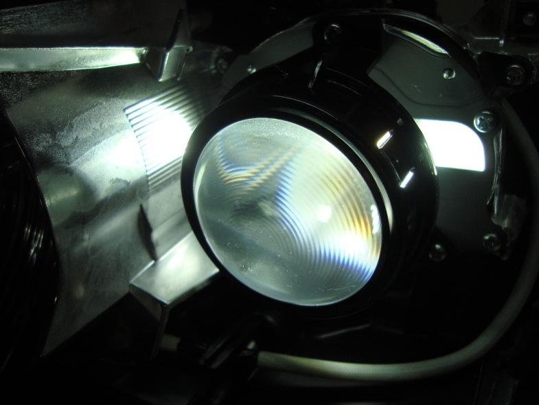 Как заменить лампочку ближнего света на тойота авенсис 2008 - Инфо