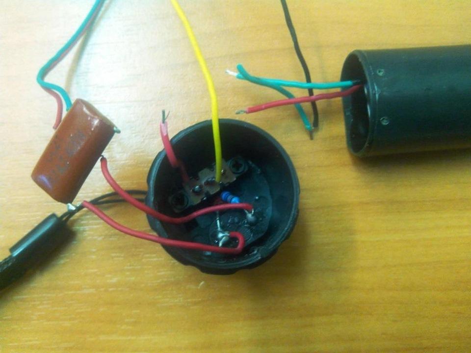 Электрошокер  из фонарика