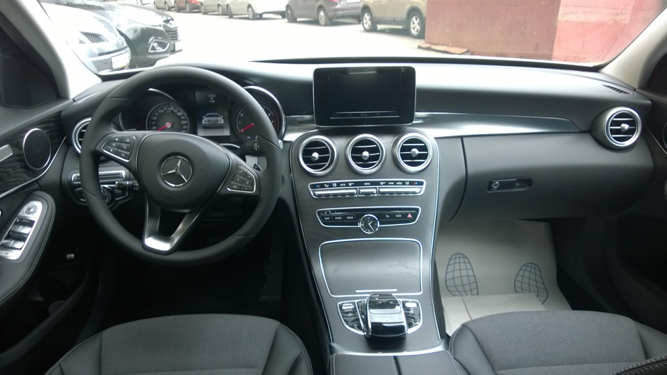 What is Mercedes 4Matic?