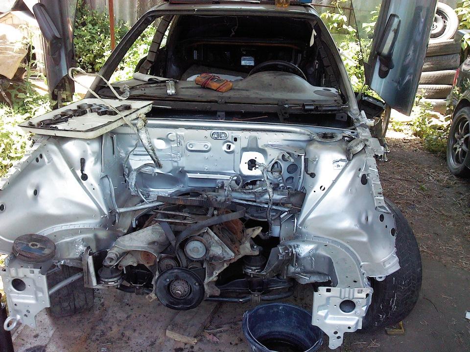 Продолжается ремонт двигателя