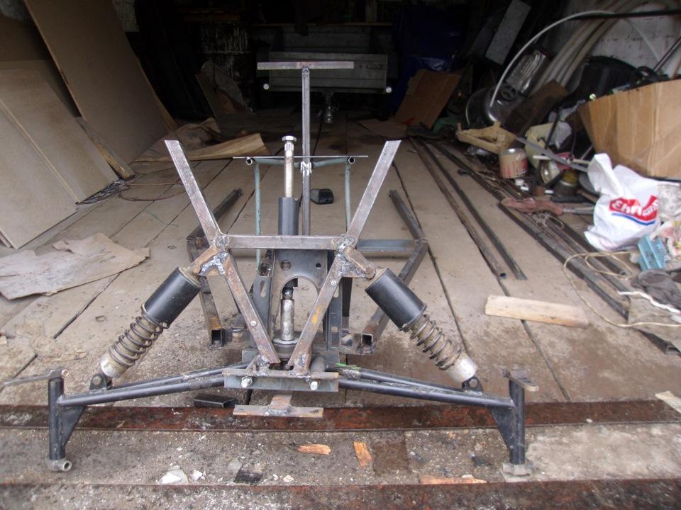 Продам каракат-переломка на базе мотоблокадвигатель мотоблоккоробка вазраздатка ниваугол перелома у двигатель бензиновый от квадроцикла.