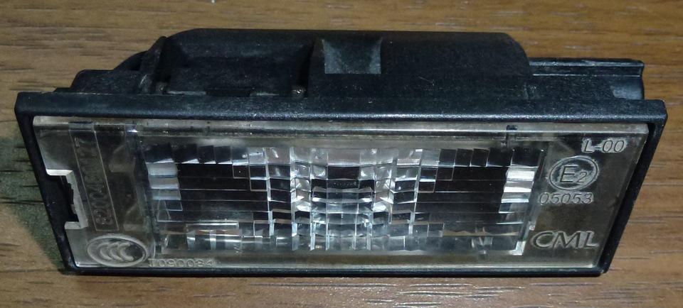 замена лампочки подсветки номера renault megan