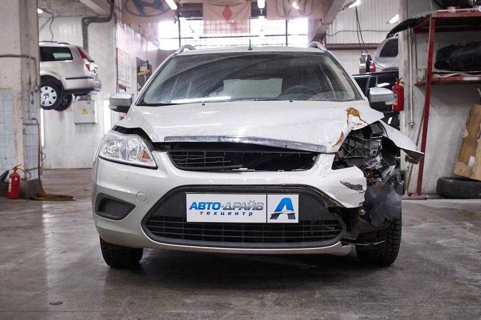 Ford Focus перед кузовным ремонтом на базе Техцентра *Авто-Драйв* на Южной
