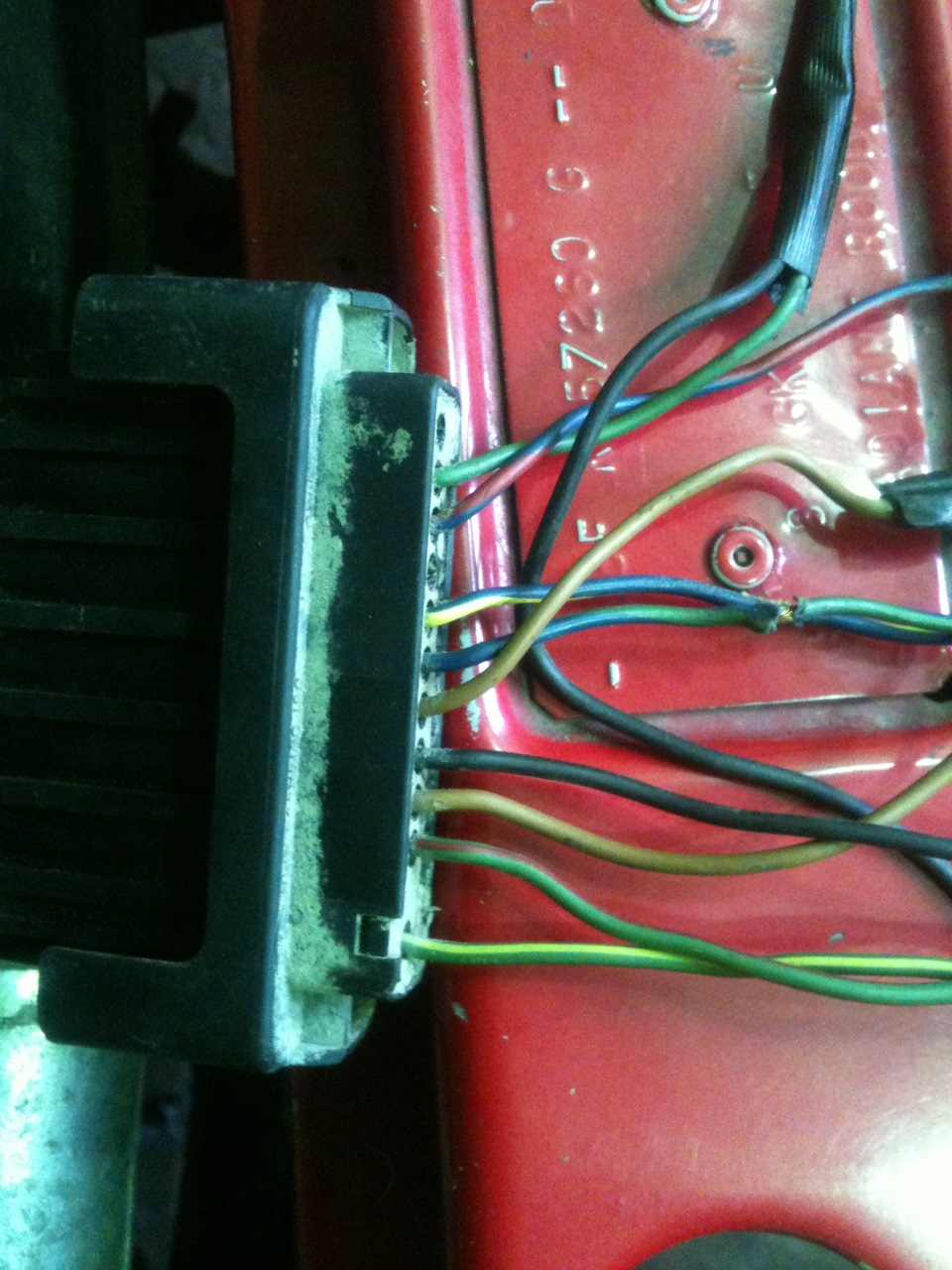 схема подключения тахометра с бесконтактным зажиганием