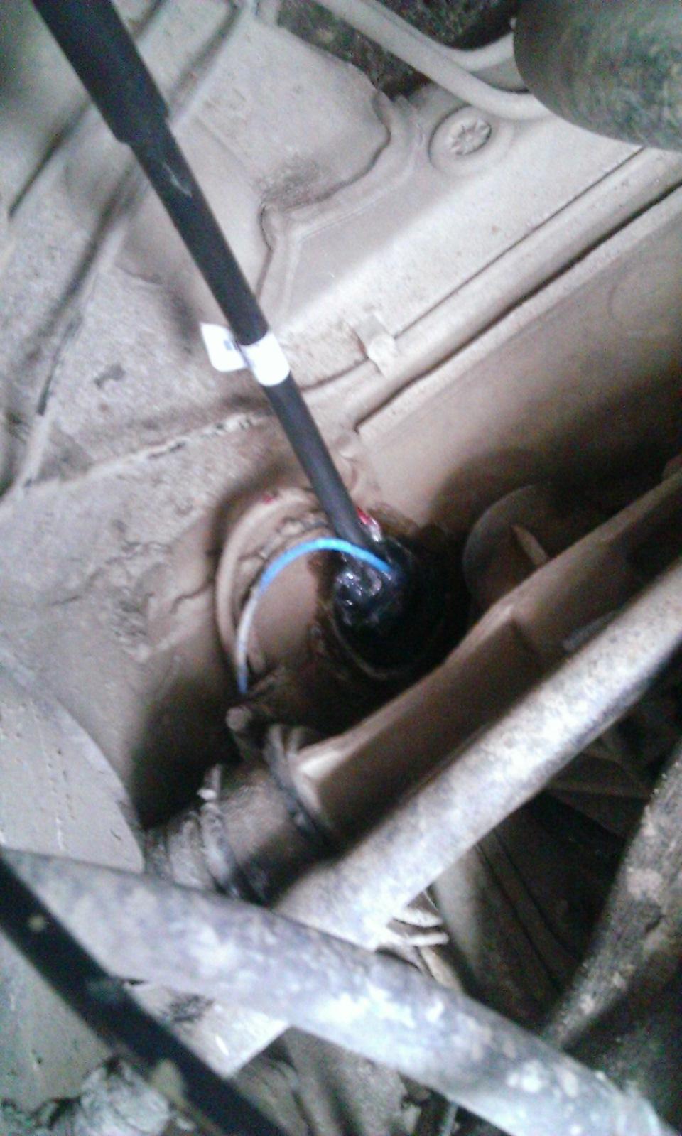 Фото №6 - как поставить тросик сцепления на ВАЗ 2110