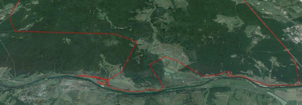 Трек поездки ломаный, так как взят со спутникового треккера, а не GPS-навигатора. Его трек более подходит для дальних маршрутов.