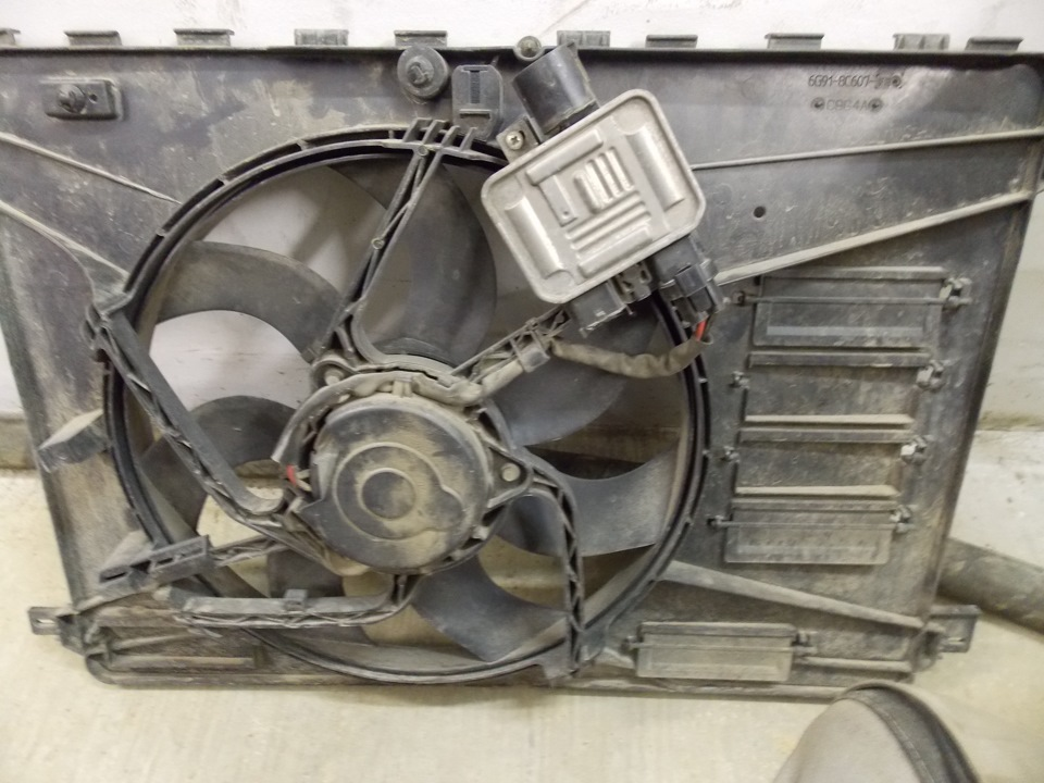 Ремонт моторчика вентилятора охлаждения фрилендер Замена сальника распредвала мазда сх 9