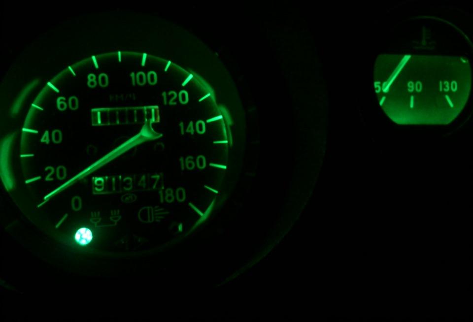 Как сделать подсветку приборов 2106