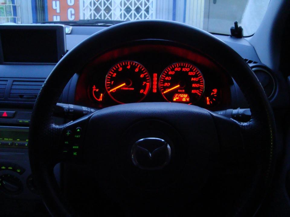 mazda demio 2003 индикаторы на панели