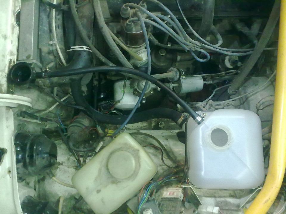 Фото №14 - как разобрать крышку расширительного бачка ВАЗ 2110