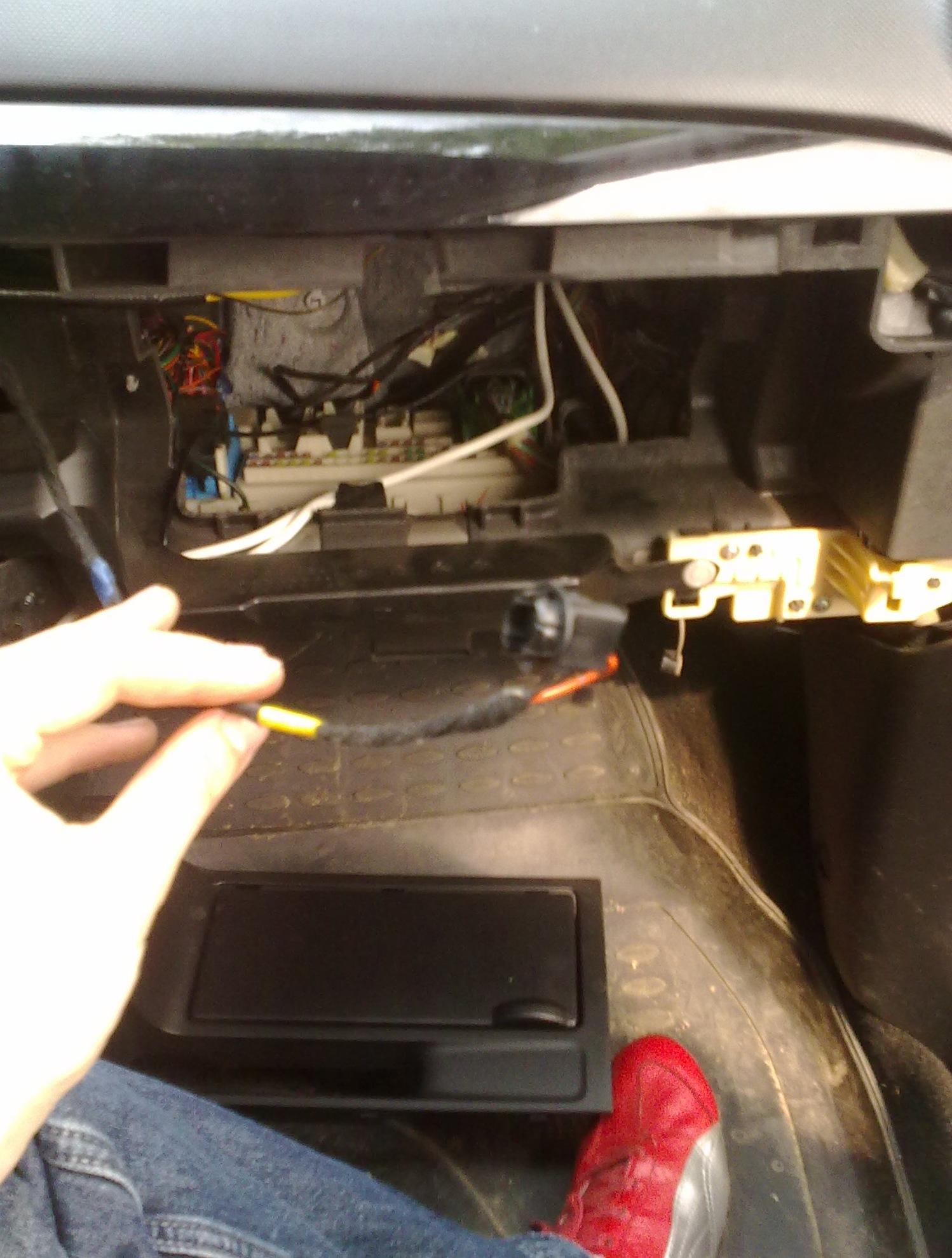 Как заменить лампочку в мазда 3