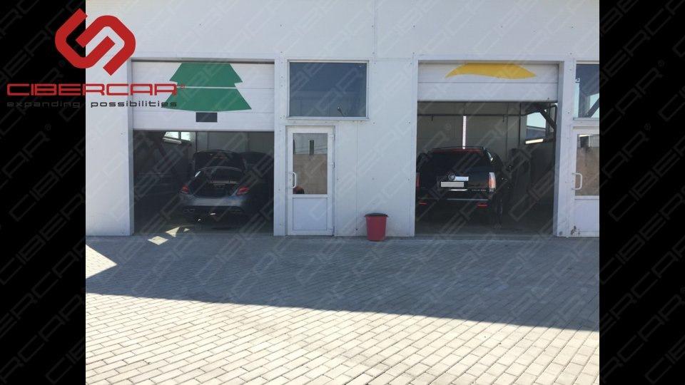 Установочный центр компании Kibercar в Санкт-Петербурге, способен принять 4 автомобиля в 1 день.