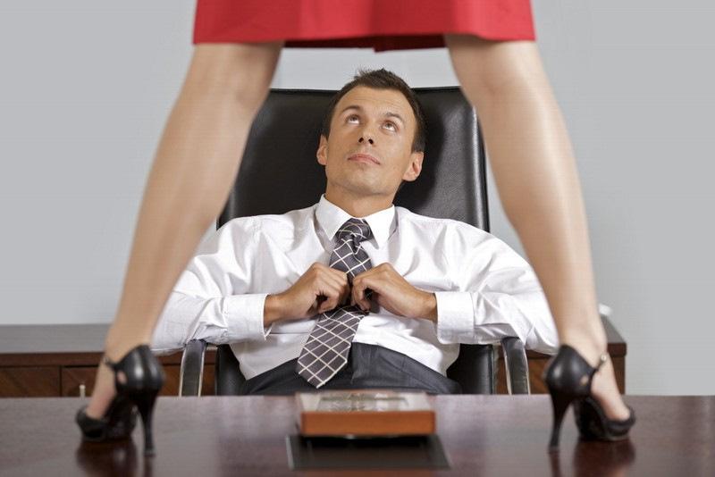 Лесу начальник с секретаршей задницы галерея порно