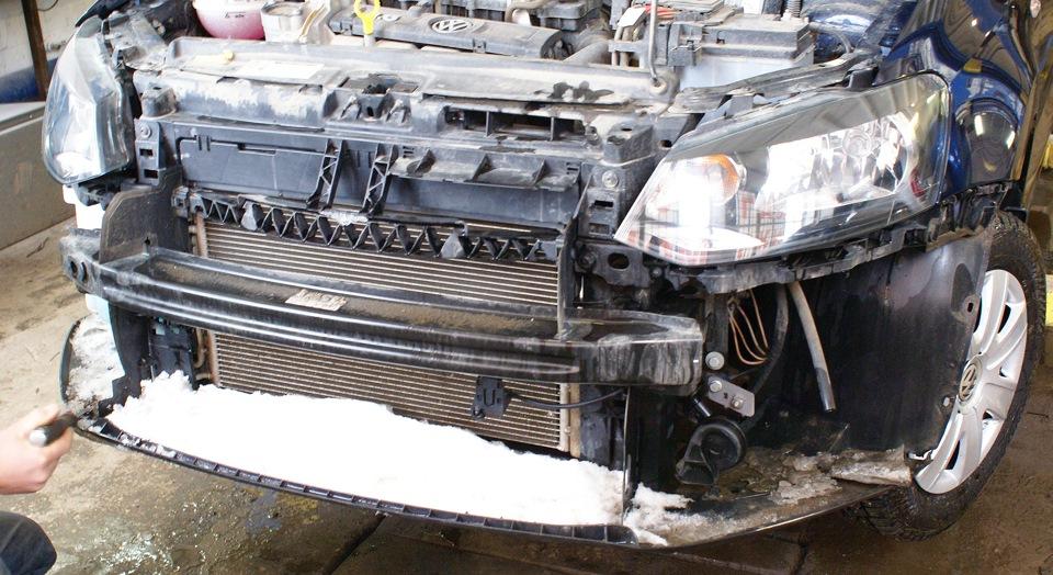 замена рамки радиатора на volkswagen поло седан