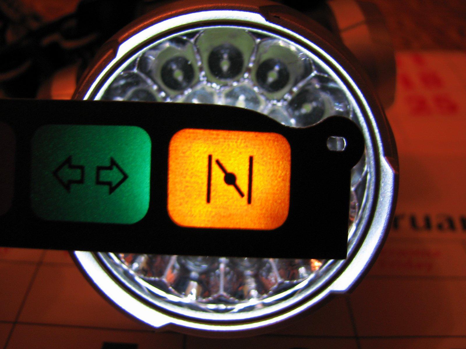 Контрольная лампа открытия дверей бортжурнал audi  лампа подсоса