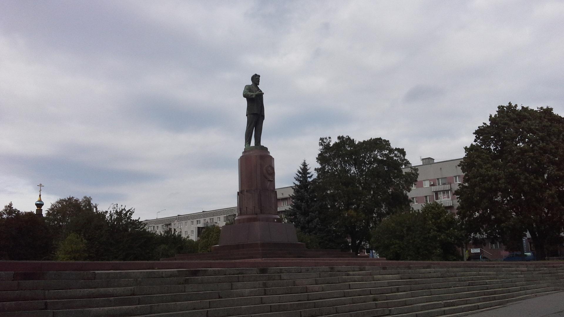 беда, памятник калинину в калининграде фото свой рассказ