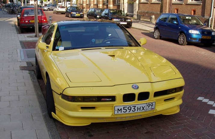 Alpina B12 5.7 Coupe номер 24 из России, но фото сделано на улицах Амстердама