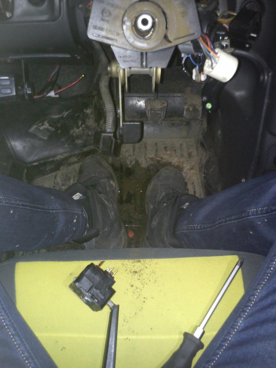 Замена рычага переключателя поворотника митсубиси паджеро 4 Покраска багажника л200