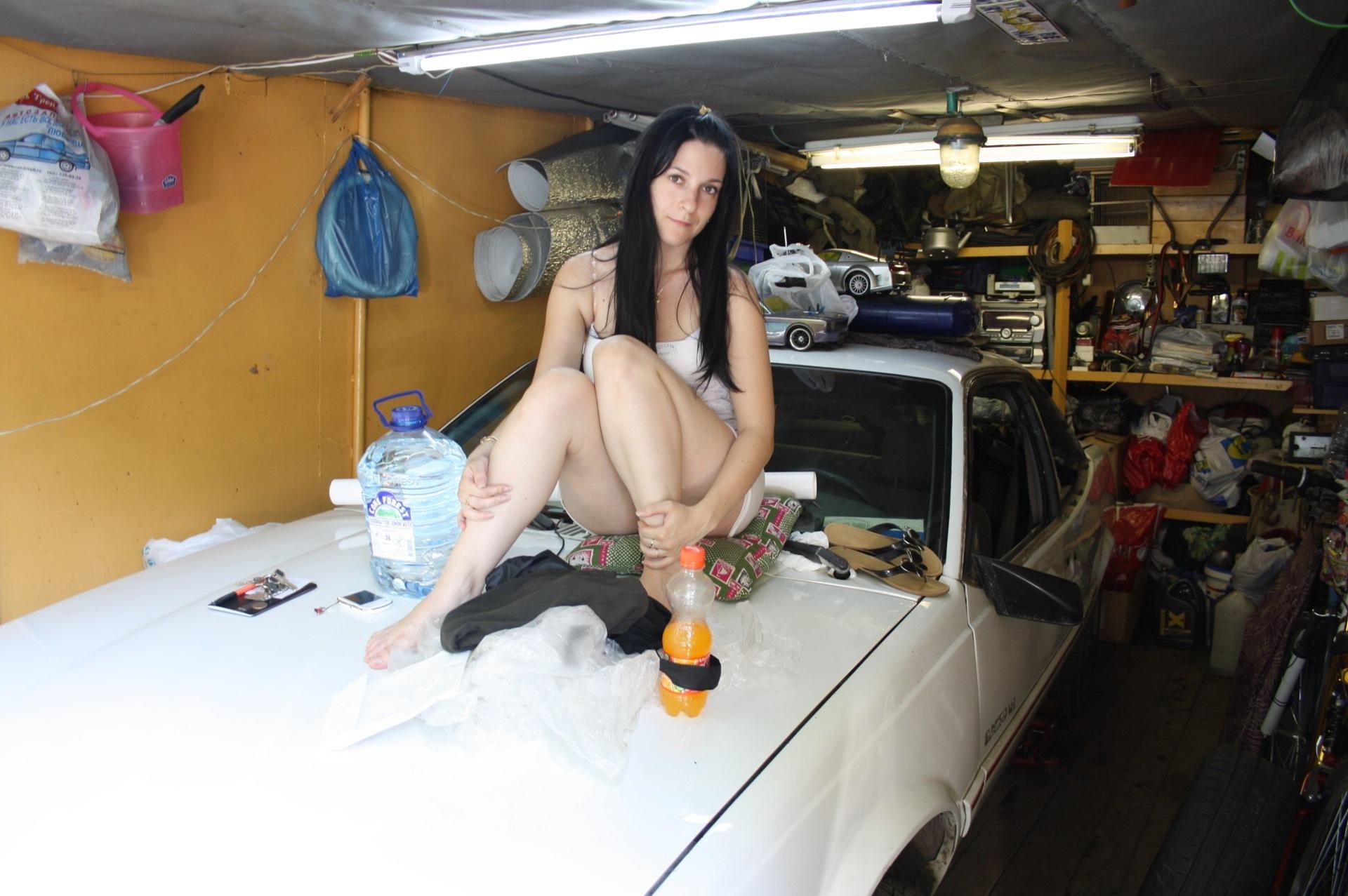 У гаражей эротика, в гараже пьяную, порно видео онлайн, бесплатно на 17 фотография