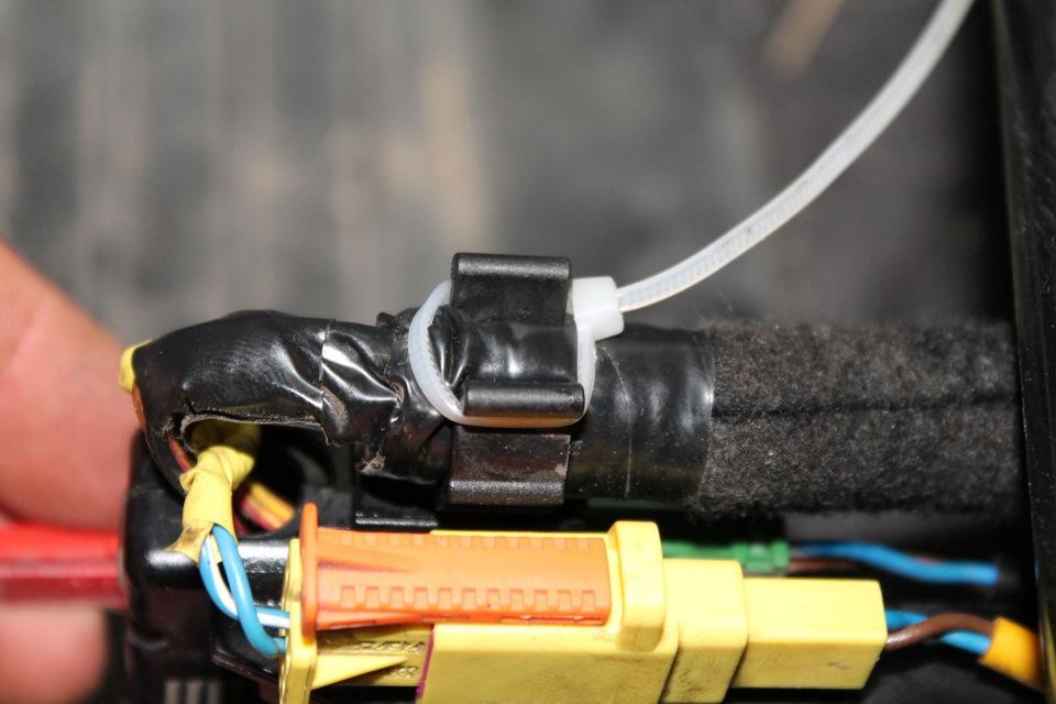 горит индикатор неисправности подушек безопасности опель омега