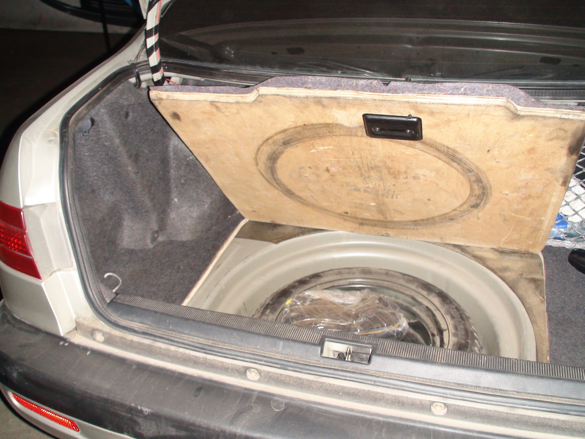 фото багажника внутри тойота корона премио фотографии, картинки