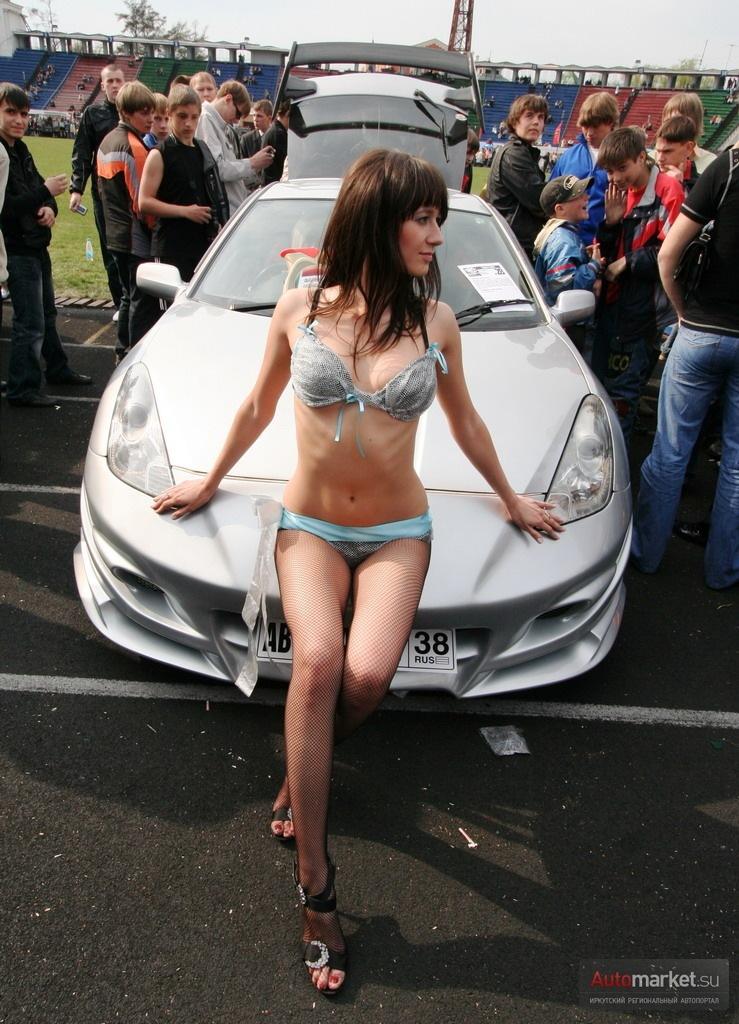 Sexy girls hot cars