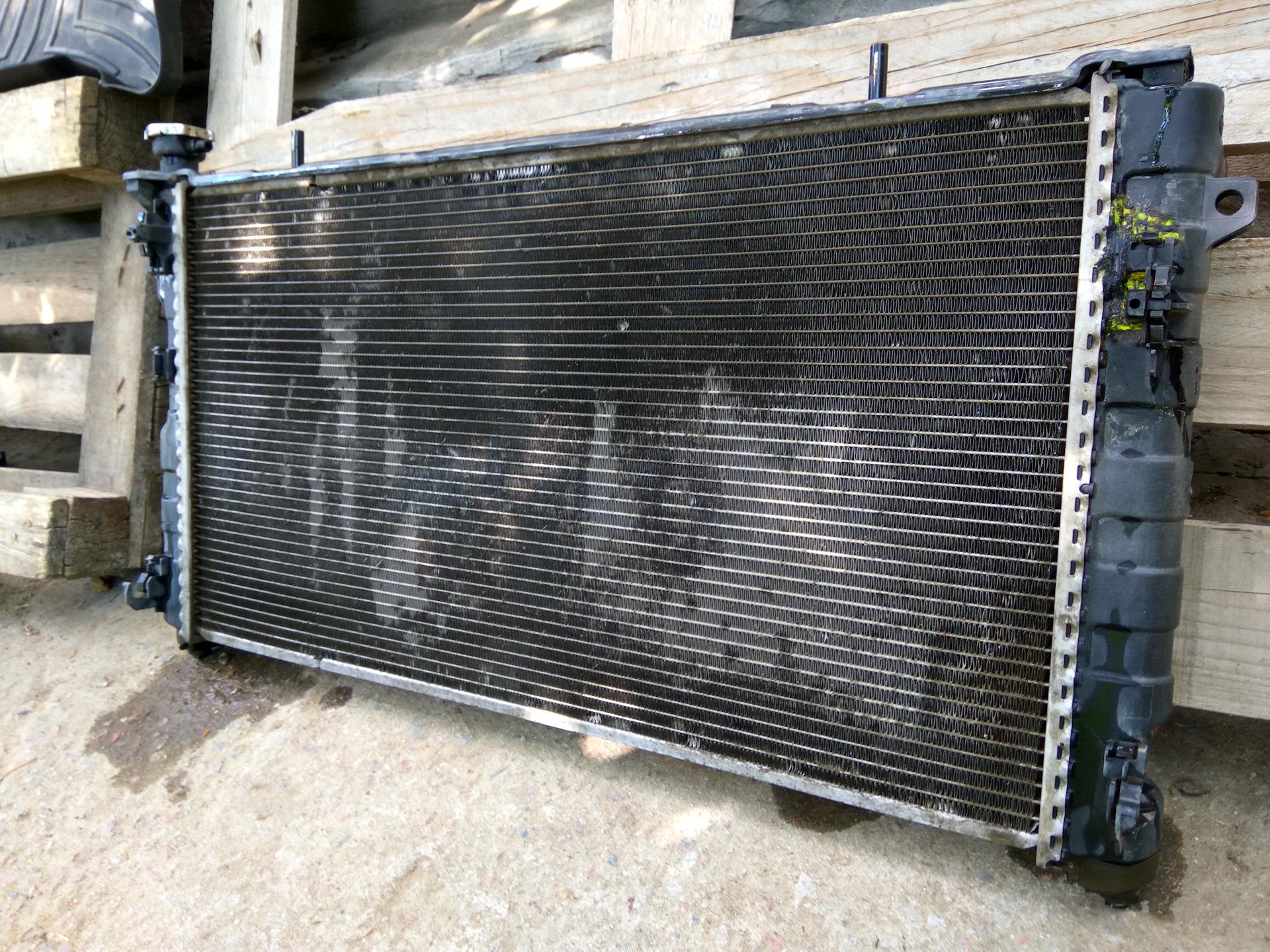 Замена радиатора Traveller I Замена задних тормозных колодок кия