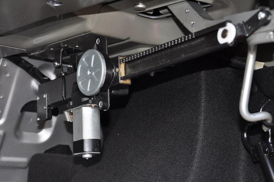 Как сделать сервопривод багажника своими руками