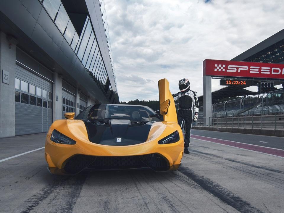 Не реализовать весь неуемный гоночный потенциал TS600 было бы неправильно, поэтому сейчас в компании готовятся к участию в кольцевых гонках в классе GT3. Хотя как сказать — готовятся? Пытаются понять, во сколько обойдется борьба с Ferrari 458 Italia, Aston Martin V12 Vantage GT3 или Audi R8 LMS. И ищут спонсоров.