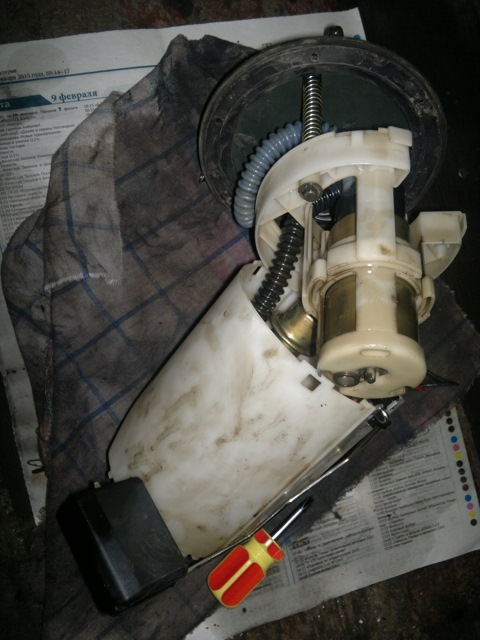 Фото №2 - замена поплавка в бензобаке ВАЗ 2110